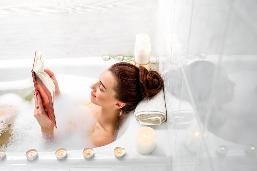 Utiliser les huiles essentielles dans le bain